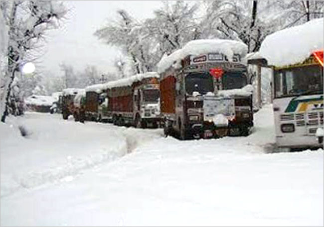 Srinagar Jammu Highway Closure Brings Endless Miseries For Kashmiris
