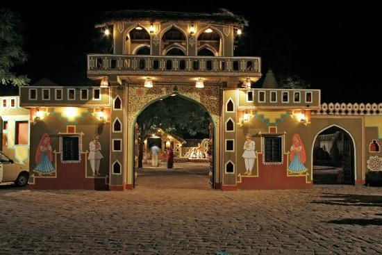 Jaipur Sightseeing Taxi Service with Choki Dhani