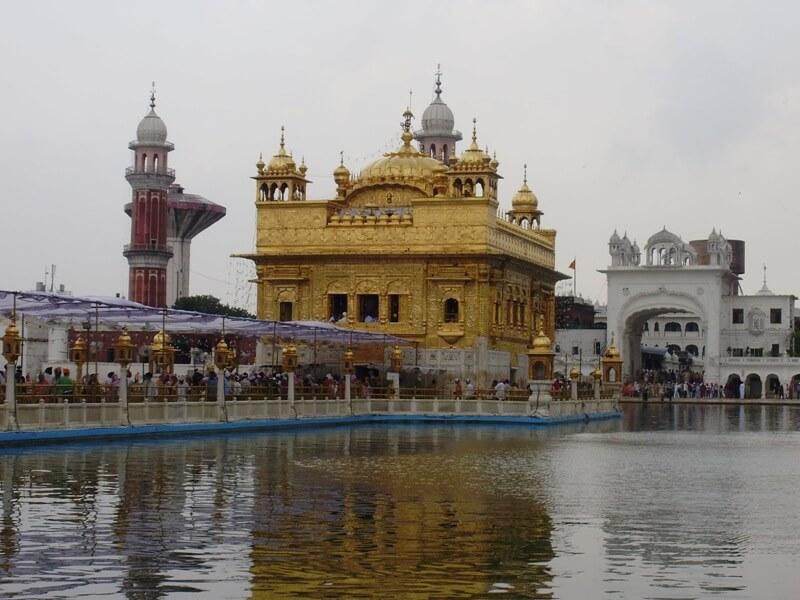 Amritsar Dharamshala Manali Tour Package