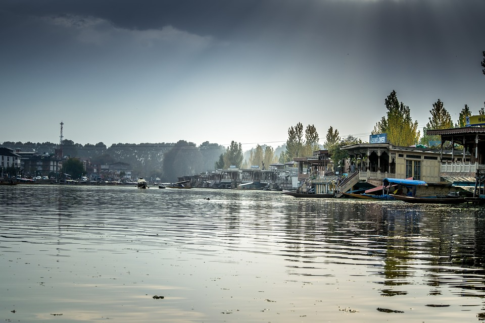 Kashmir Tour Package From Mumbai